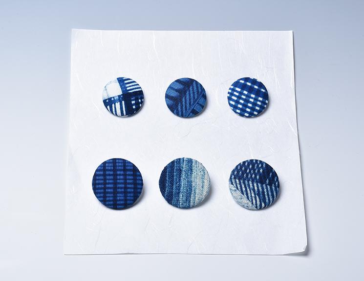 藍染ブローチ